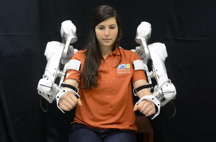 组图:能够让你变为超人的十款机械外骨骼