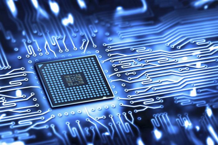 """对智能手机、平板电脑用户来说,ARM公司的名字几乎可以天天听到,但很多人并不熟悉这家移动处理器王国背后的""""男人"""",虽然ARM处理器的数量比X86处理器多太多了,不过ARM公司营收规模比Intel简直是九牛一毛,他们自己不生产处理器,主要依靠ARM处理器授权及抽取版税为生。"""