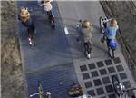 荷兰研发的首条太阳能电池板道路 效果超预期