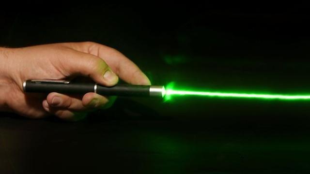 """The strongest diamond laser pen """" Renounce the world splendidly ..."""