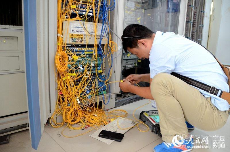光缆维护工程师:速度与沉稳并行