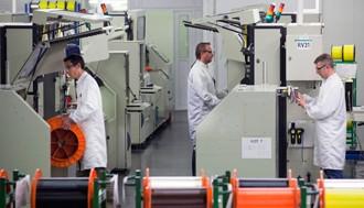普睿司曼欧洲最大光缆生产厂投产