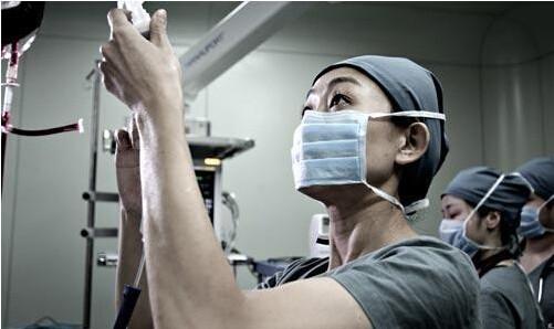 观点:手术机器人能取代医生吗?