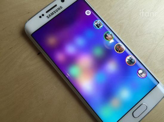 除了更多像素 手机这块小屏幕还能怎么玩出彩?