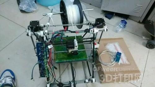 大学生耗时两月零两天自制HBot3D打印机