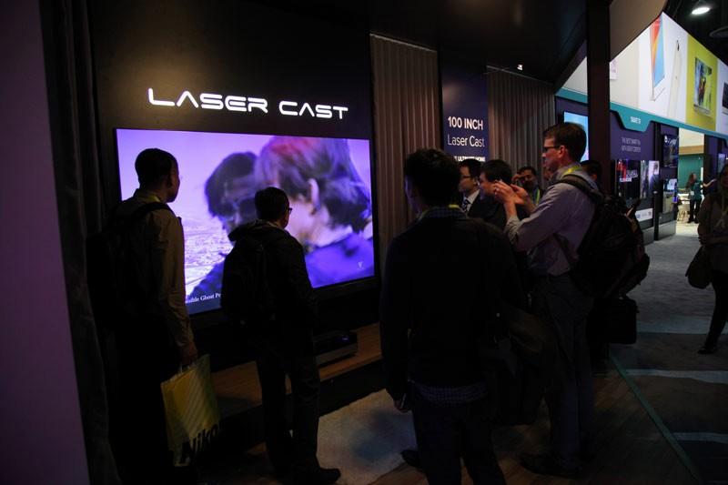 《亚博》海信激光影院获美国CES2016全球最具竞争力未来电视奖