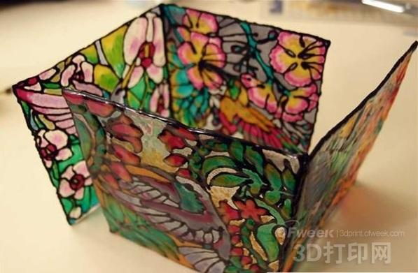 3D打印笔制作的漂亮的蒂芙尼风格烛台