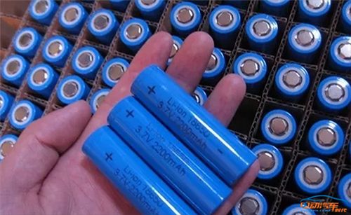 """简述电动汽车BMS系统:电池单体的""""参谋""""与""""将军"""""""