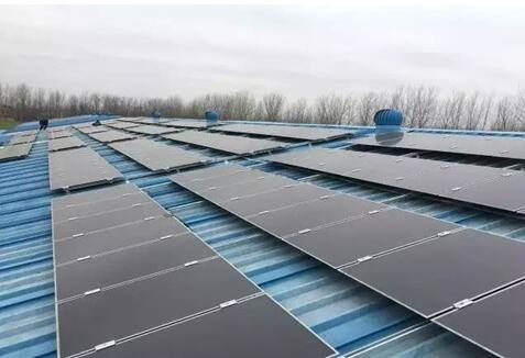 汉能薄膜太阳能发电登上河南夏邑工厂屋顶