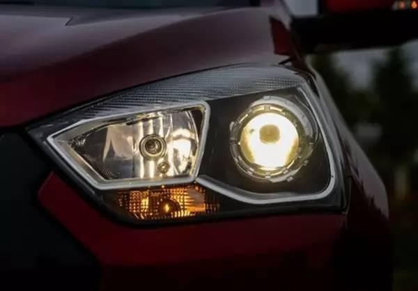 卤素光源/氙气光源/LED光源 提高驾驶安全谁的帮助大?