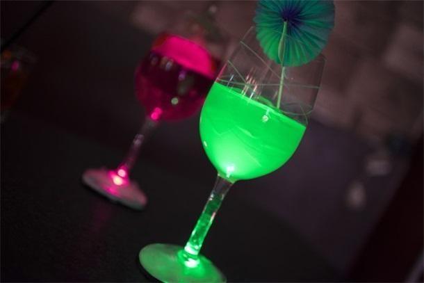 LED智能酒杯让你成为众人焦点