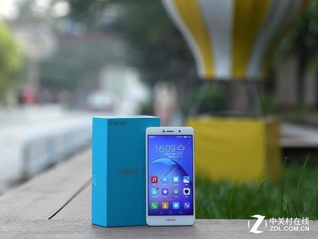 """荣耀畅玩6X评测:4GB内存+八核设计!超""""6""""的千元双摄手机?"""
