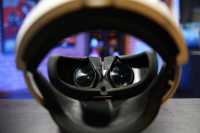 揭秘!原来VR头盔都是这样工作的