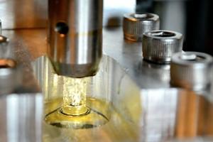 美国西北大学研发出用金属丝网制成的3D打印支架