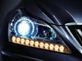 激光大灯是LED光源的升级版?你怎么看?