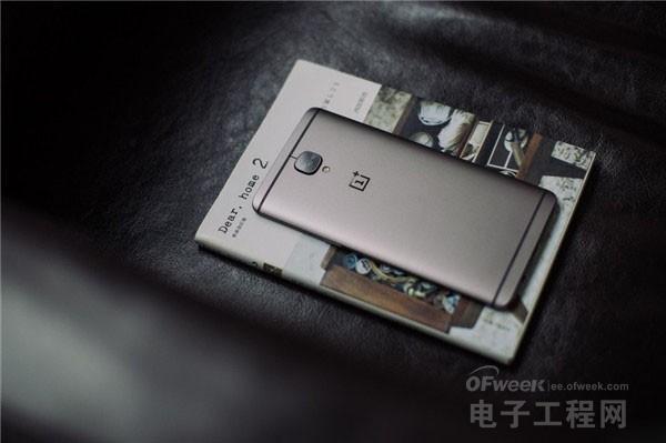一加3T开箱上手体验:骁龙821+索尼IMX298+3400mAh电池 打造最强安卓旗舰