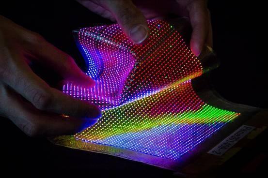 可穿戴设备的未来 韩国研发出内置OLED屏幕的布料