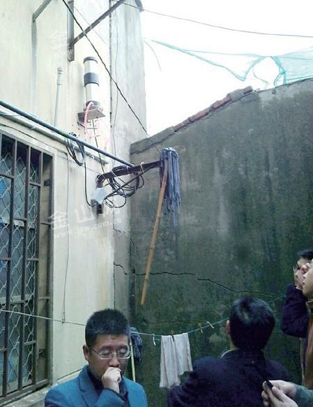 传感监测技术保障城区相邻楼房安全