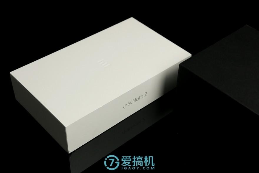 """小米Note 2开箱评测:黑得很""""中正""""!还有双曲面屏和对称美"""