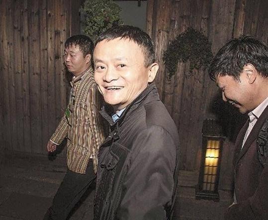 """乌镇峰会互联网大佬各项""""最佳"""":马云最佳脱身 雷军周鸿祎最佳CP"""