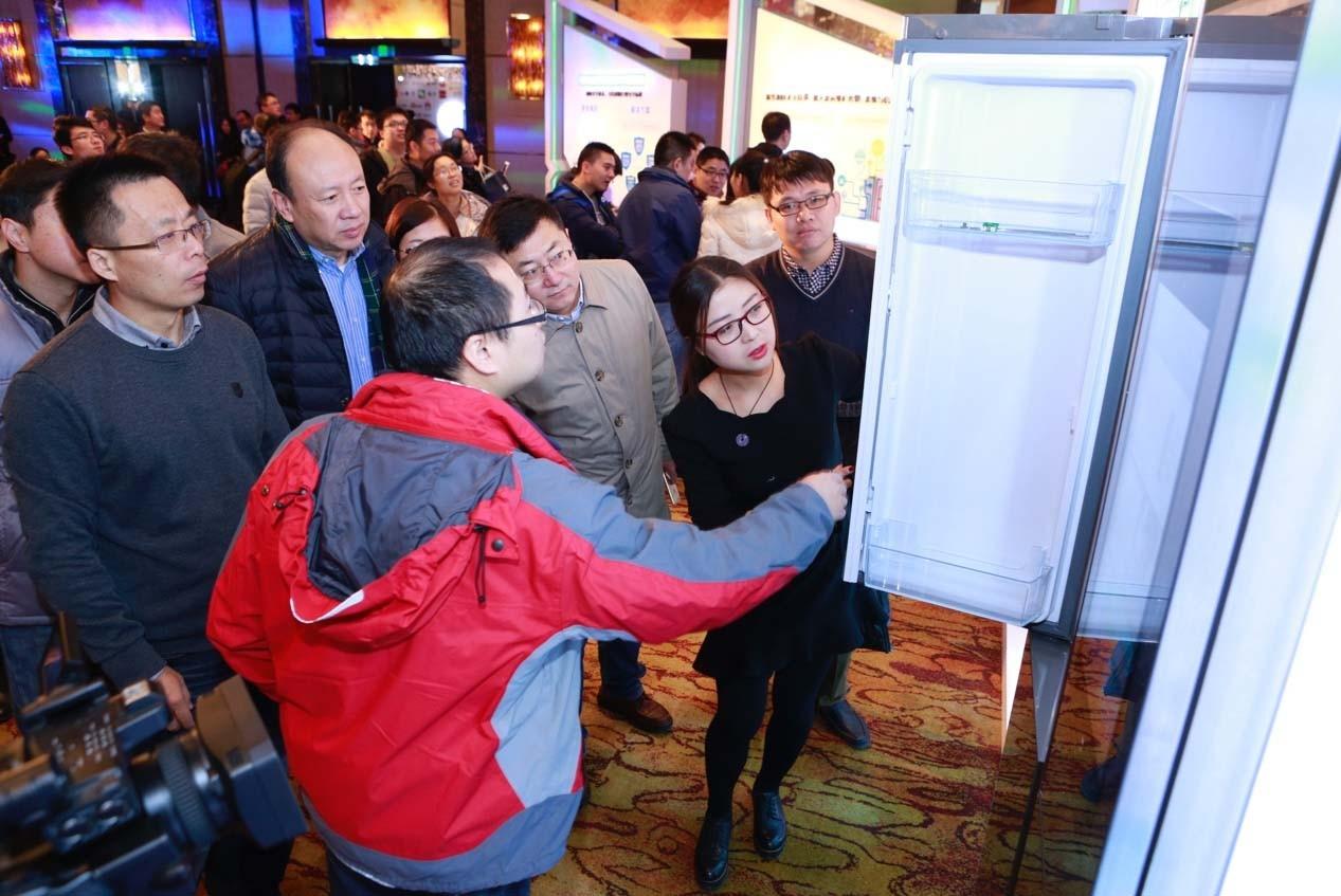 海尔智慧家庭UHomeOS系统让冰箱变得不一样