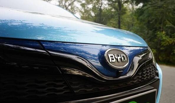 比亚迪秦EV300,电动汽车,动力电池,充电