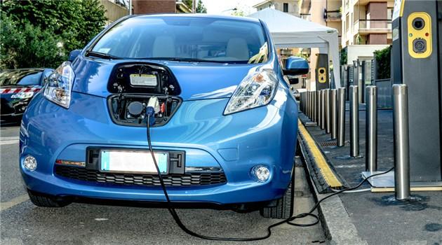充换电模式,电动汽车,充电桩,续航里程