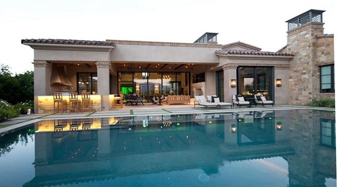 海外豪宅案例:灯光、温泉 一应俱全