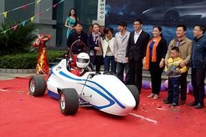 南昌大学赛车队利用3D打印赛车零件