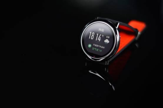 这个太赞 华米运动手表能实时显示空气质量