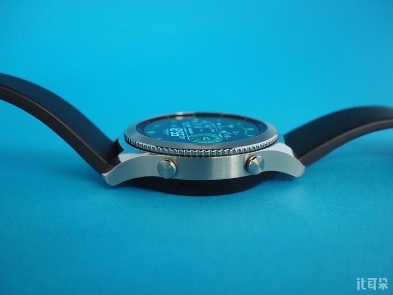 钢表壳皮表带 硬朗霸气—三星Gear S3测评
