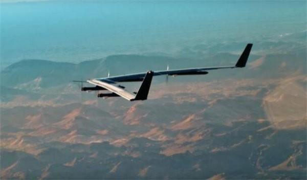 Facebook一架巨型上网无人机着陆时坠毁