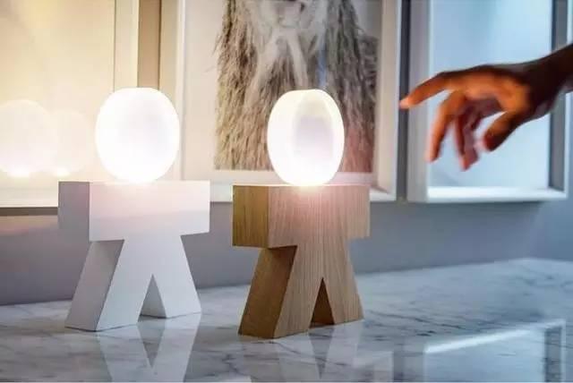 LED臺燈也分男女?合適顏控的家居氣概