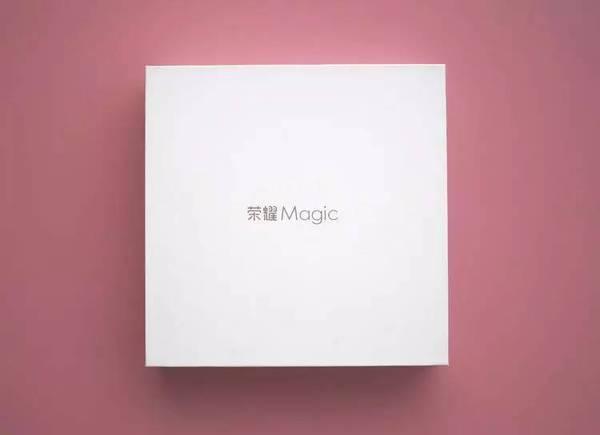 """荣耀 Magic 上手评测:一款""""致未来""""的手机!Magic 有哪些独特的""""魔力""""?"""