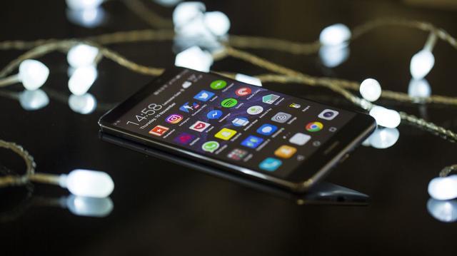 """高端手机中的""""新势力"""" 华为Mate 9外媒评测汇总"""