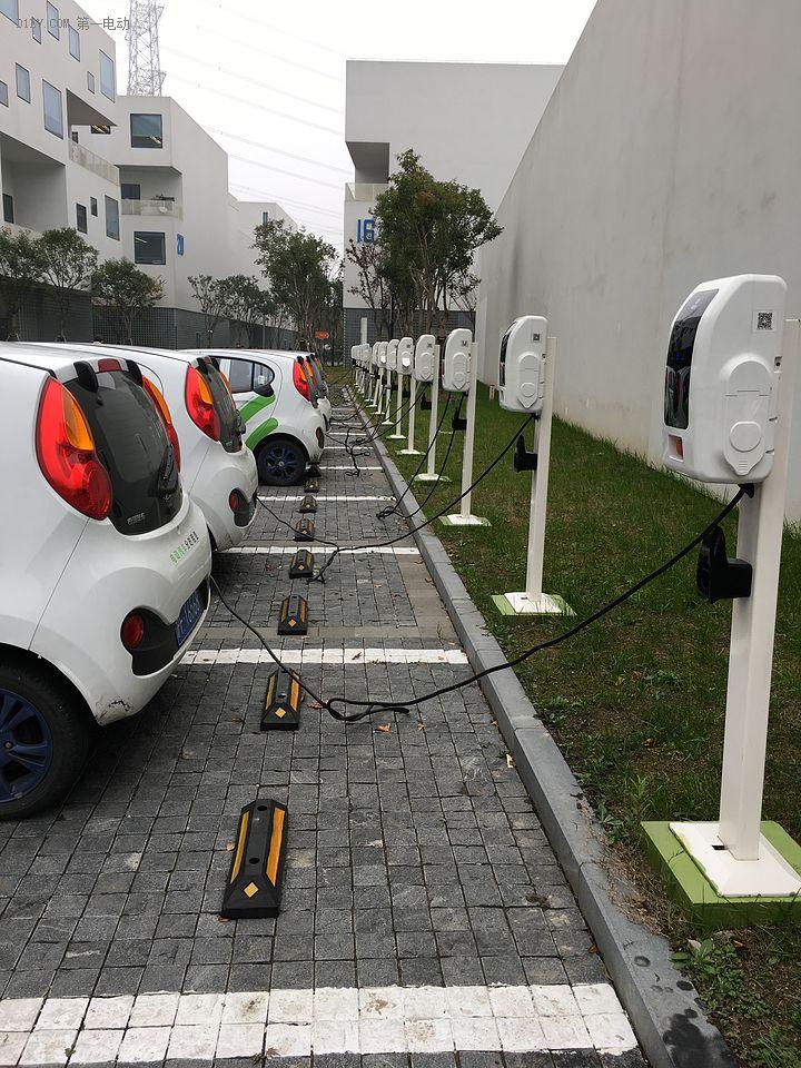 电动汽车有三忧:充电、安全、里程忧!