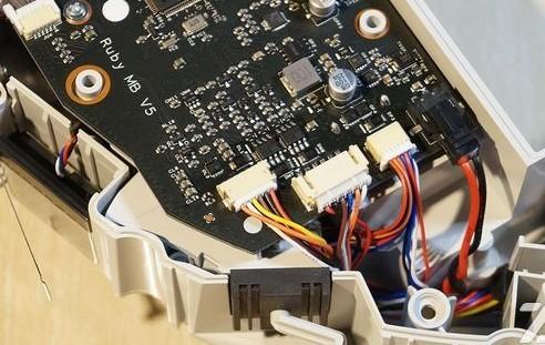 多传感器信息融合在扫地机器人中的运用