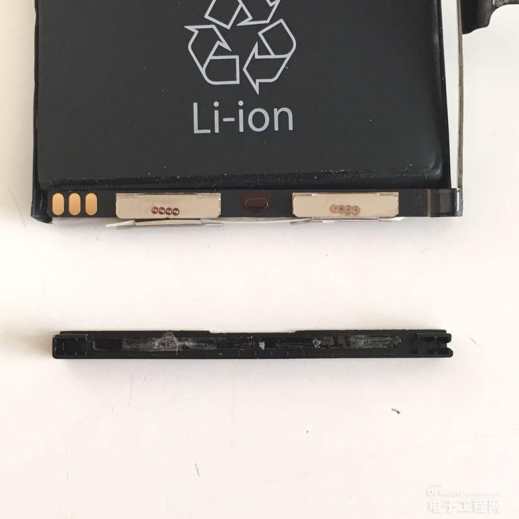 iPhone 5/6 电池拆解:这块电池已不到开机电压了!