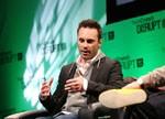 """Oculus重组为两大部门 CEO艾里布担任""""PC VR""""部门主管"""