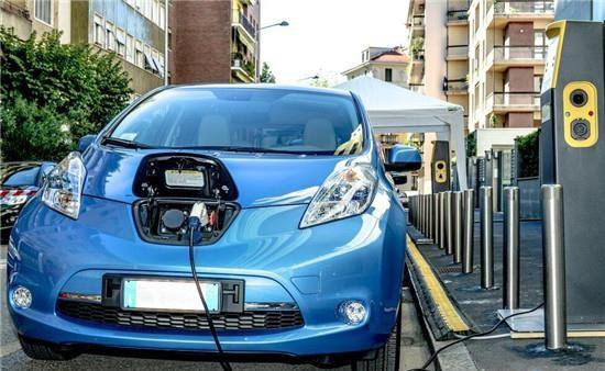 纯电动汽车:电池续航300公里最合适