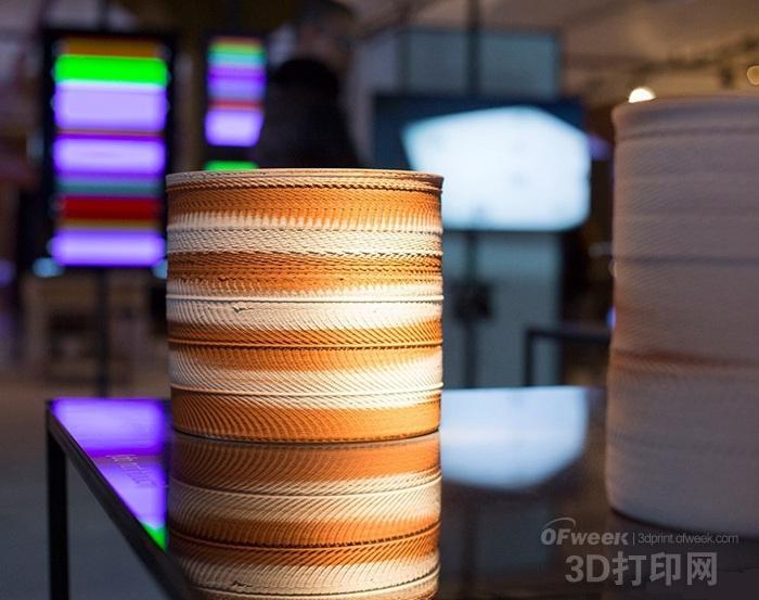 惊叹!荷兰艺术家用声波创作3D打印陶瓷作品