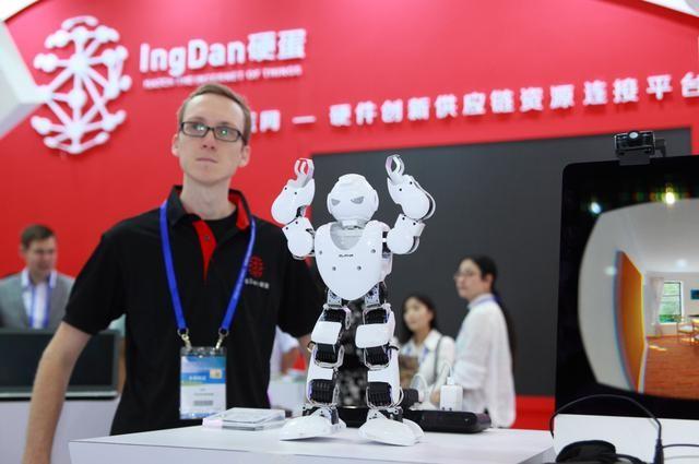中国制造业的Uber:继无人机和机器人之后 进军智能汽车