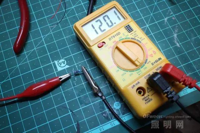 【趣味教程】用USB线做LED供电电源