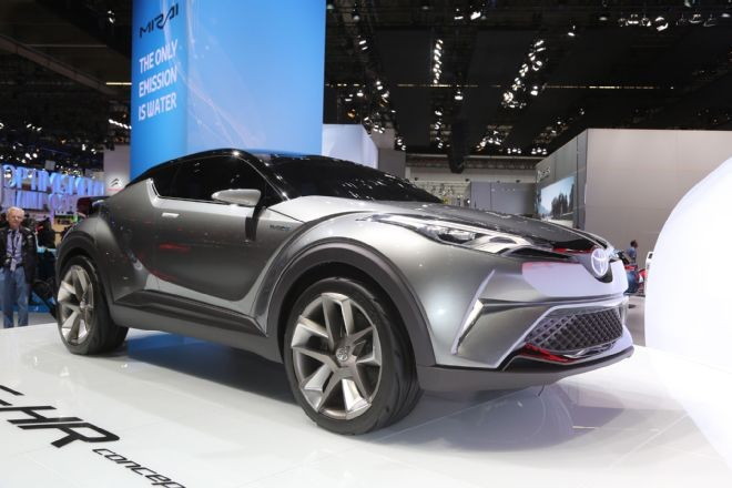 丰田量产C-HR混合动力车