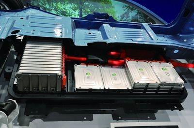 【探访】走进动力锂电池工厂和客车企业
