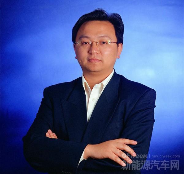 专访比亚迪王传福:从电池到新能源车