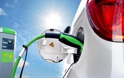 """新能源汽车快速发展 充电市场面临""""三重困境"""""""