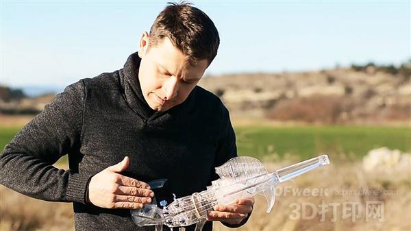 用3D打印小提琴演奏的U2成名曲《With or Without You》