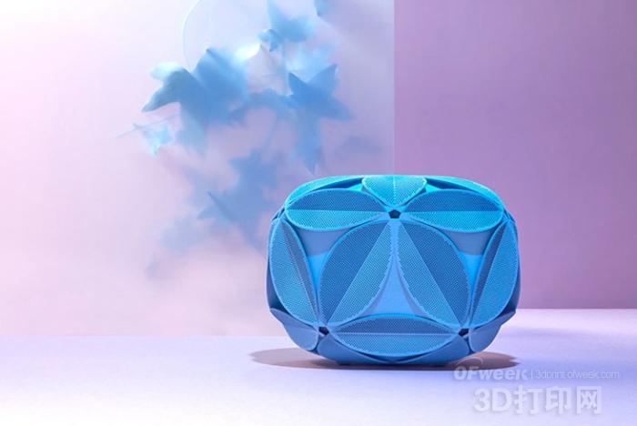 Maison 203发布最新3D打印手包设计IVY