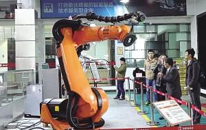 图为哈迪斯开放日上展示的工业机器人。